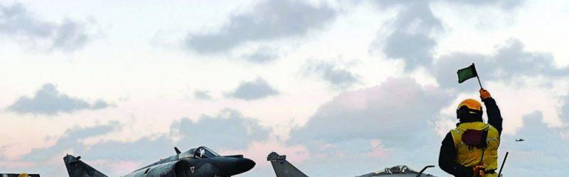 les-forces-francaises-devraient-lancer-les-premieres-frappes_3176989_1000x500