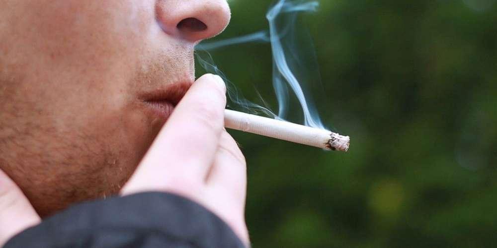 les-lyceens-vont-devoir-s-habituer-a-ne-plus-fumer-du-tout