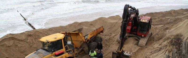 ce-jeudi-matin-devant-le-signal-les-ouvriers-travaillaient-encore-a-sortir-le-camion-de-son-piege-de-sable
