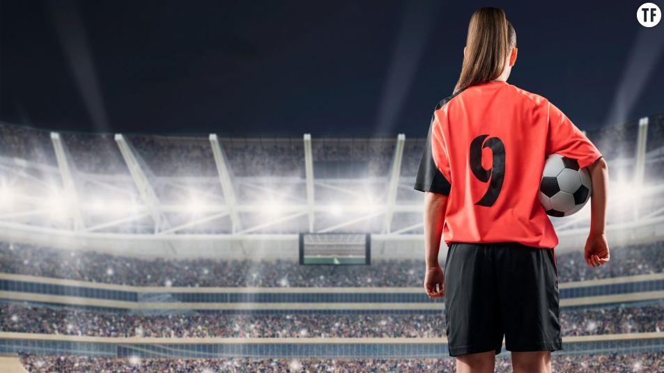 519119-footballeuse-image-adobe-953x0-2